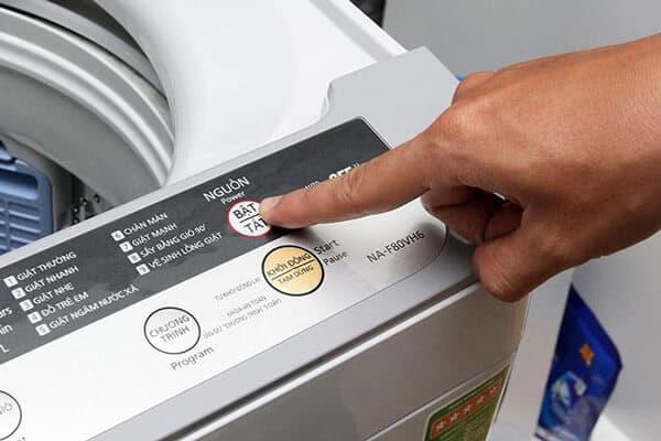Máy giặt đang giặt bị mất điện - ảnh 1